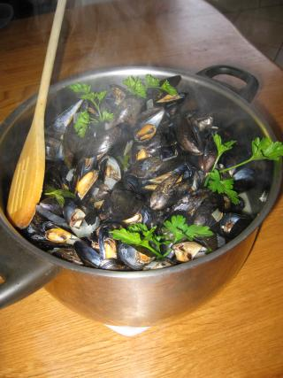 recette moules au vin blanc et persil 750g. Black Bedroom Furniture Sets. Home Design Ideas
