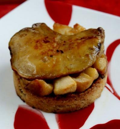 recette foie gras sur crumble pain d 39 pices et lit de pommes not e 4 3 5. Black Bedroom Furniture Sets. Home Design Ideas