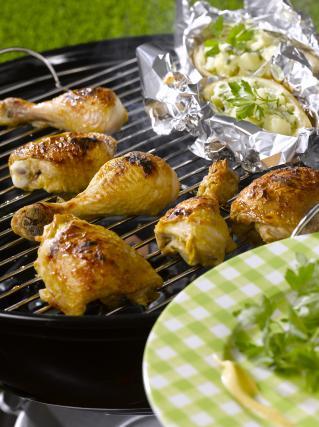 Recette cuisses de poulet la moutarde et pommes de terre au four not e 4 1 5 - Cuisse de poulet au four moutarde ...
