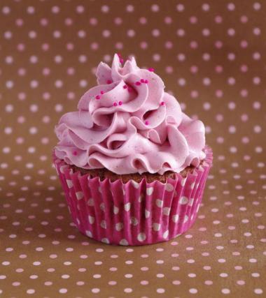 Recette cupcakes tout framboise not e 4 2 5 - Creme decoration cupcake ...