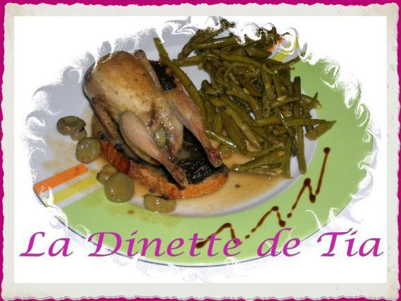 Recette cailles aux raisins farcies au foie gras sur for Cailles sur canape