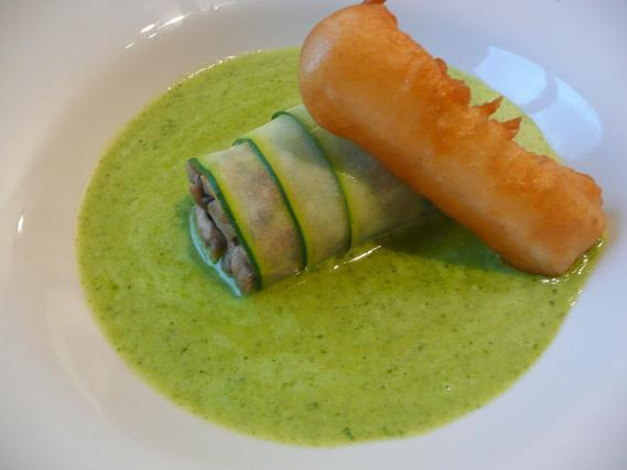 recette cannelloni de courgette aux champignons de paris. Black Bedroom Furniture Sets. Home Design Ideas
