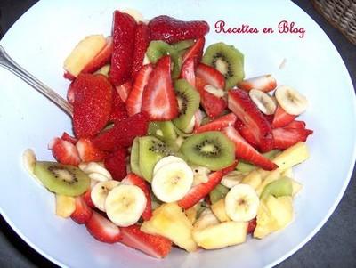 recette salade de fruits kiwis bananes fraises ananas 750g. Black Bedroom Furniture Sets. Home Design Ideas