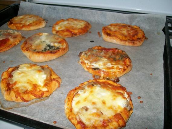 recette mini pizzas 750g. Black Bedroom Furniture Sets. Home Design Ideas