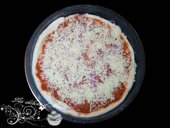 recette pizza maison savoureuse not e 4 1 5. Black Bedroom Furniture Sets. Home Design Ideas