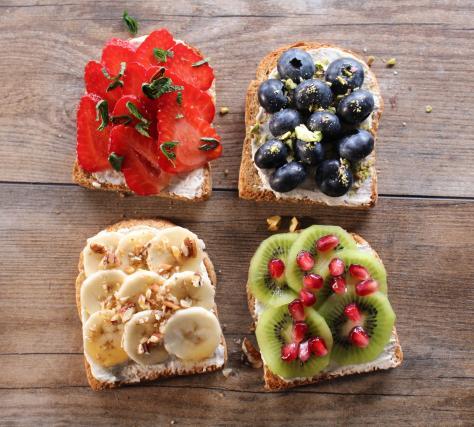 recette toasts petit dej 39 aux fruits en vid o. Black Bedroom Furniture Sets. Home Design Ideas