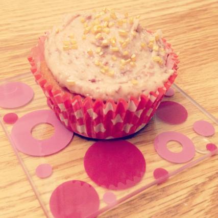 recette cupcakes la poudre d 39 amandes gla age au kinder bueno 750g. Black Bedroom Furniture Sets. Home Design Ideas