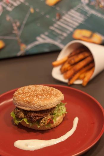 recette burger d agneau frites de patates douces et sauce yaourt 750g. Black Bedroom Furniture Sets. Home Design Ideas